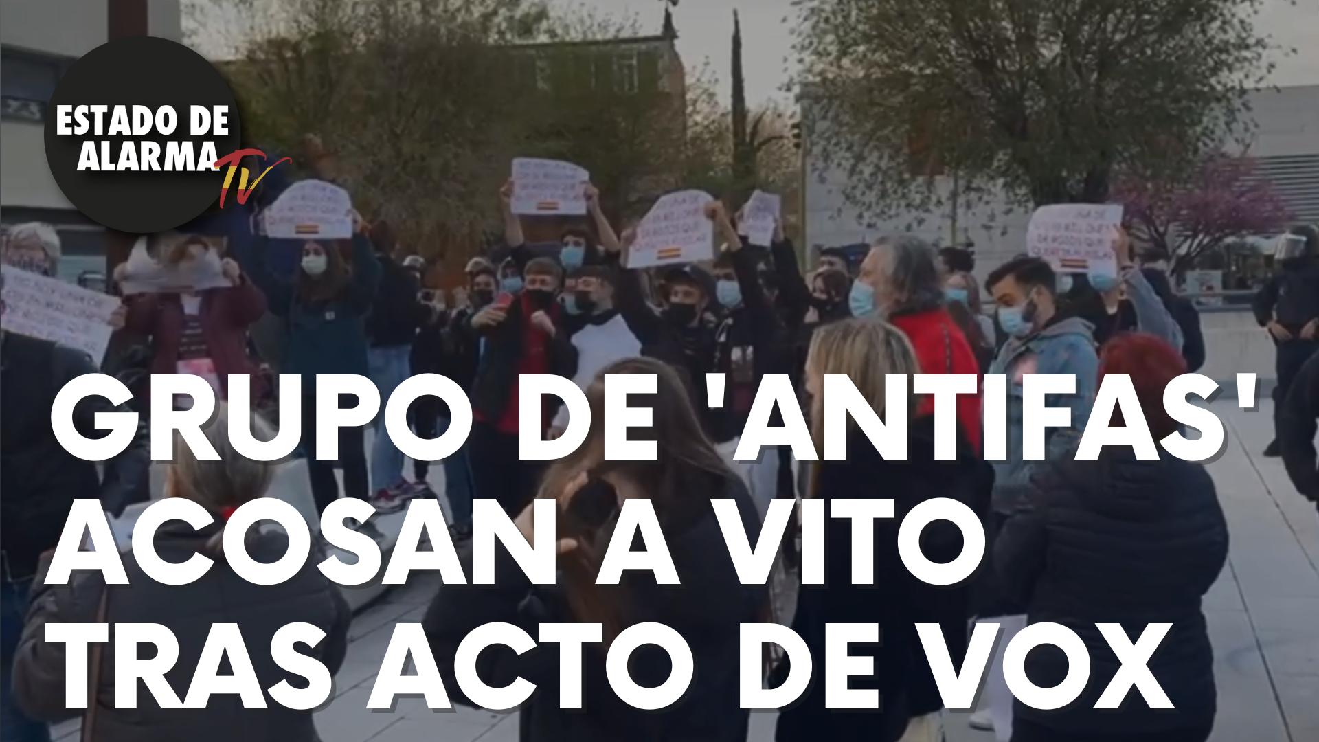 Un grupo de manifestantes de extrema izquierda acosan a Vito tras un acto de Vox